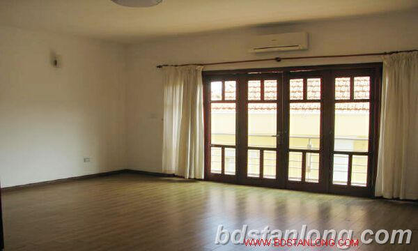 Villa with swimming pool for rent in Tay Ho district 6