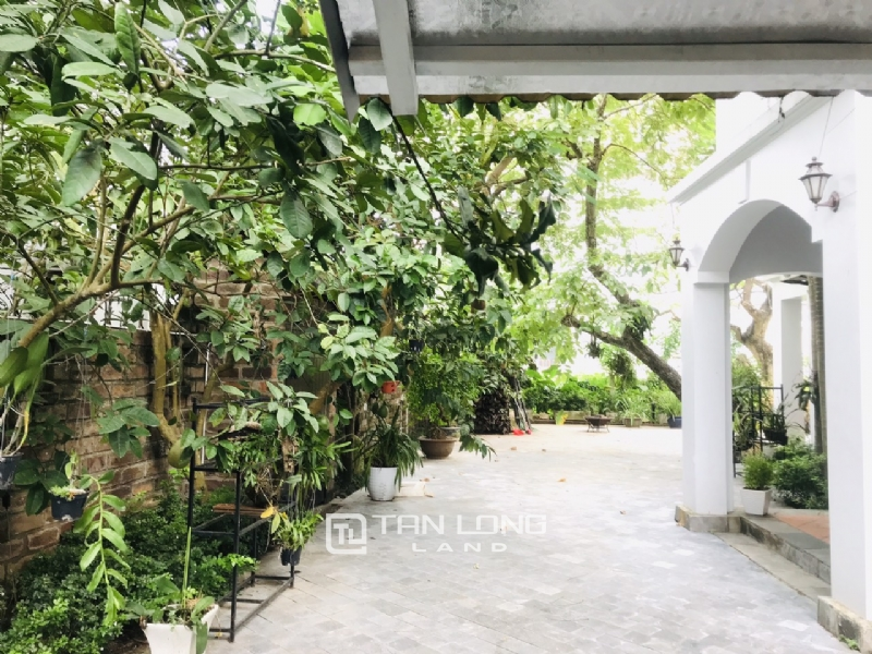 Villas for rent in Dang Thai Mai street, Tay ho district 1