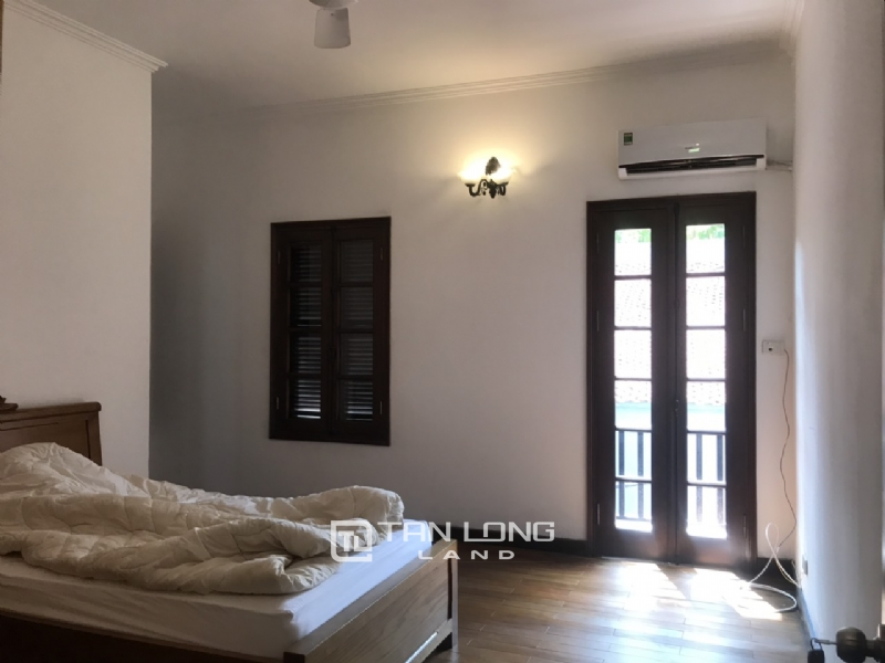 Villas for rent in Dang Thai Mai street, Tay ho district 3