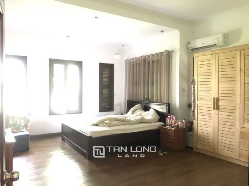 Villas for rent in Dang Thai Mai street, Tay ho district 4