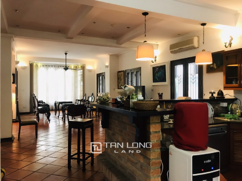 Villas for rent in Dang Thai Mai street, Tay ho district 5