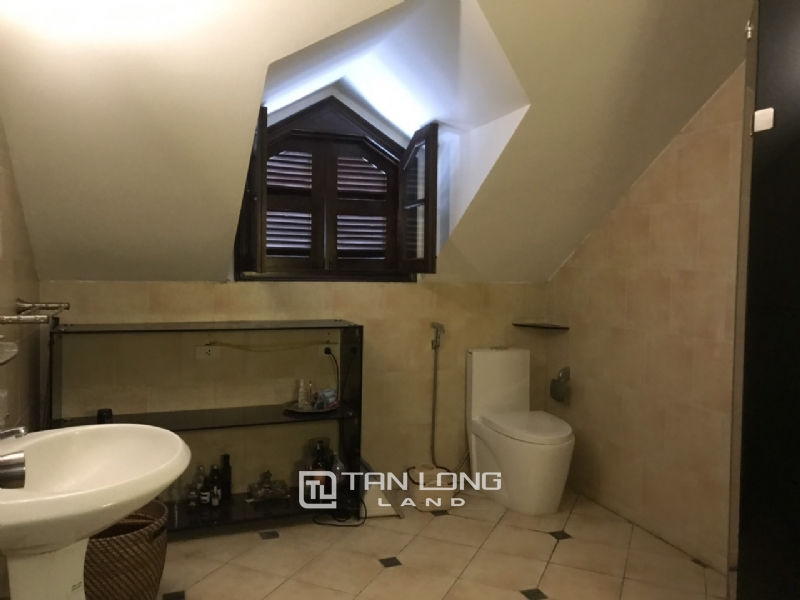 Villas for rent in Dang Thai Mai street, Tay ho district 6