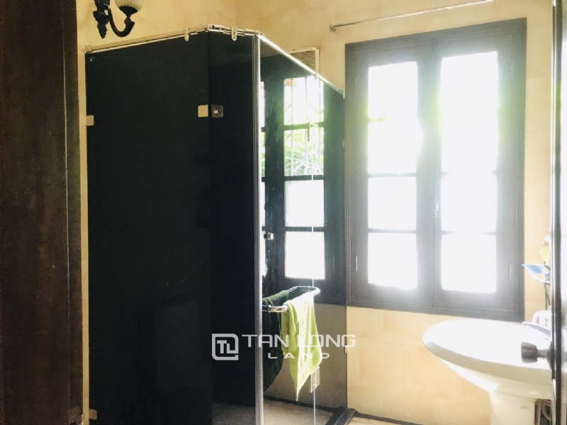 Villas for rent in Dang Thai Mai street, Tay ho district 7