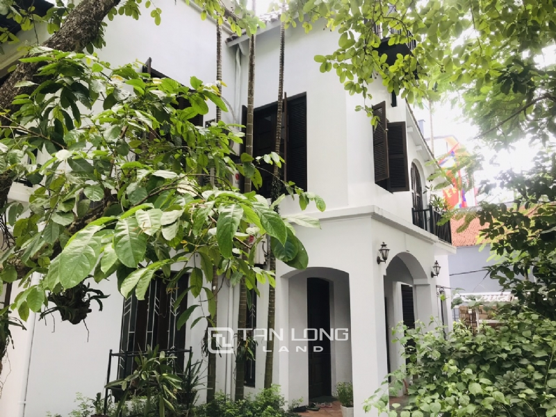 Villas for rent in Dang Thai Mai street, Tay ho district 9