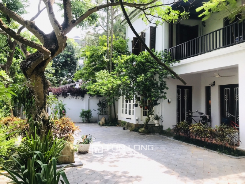 Villas for rent in Dang Thai Mai street, Tay ho district 11