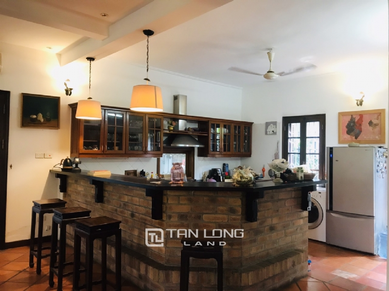 Villas for rent in Dang Thai Mai street, Tay ho district 13