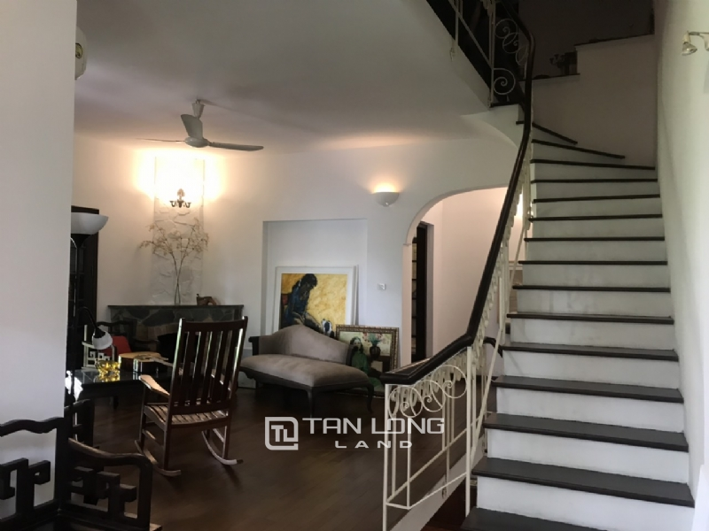 Villas for rent in Dang Thai Mai street, Tay ho district 15