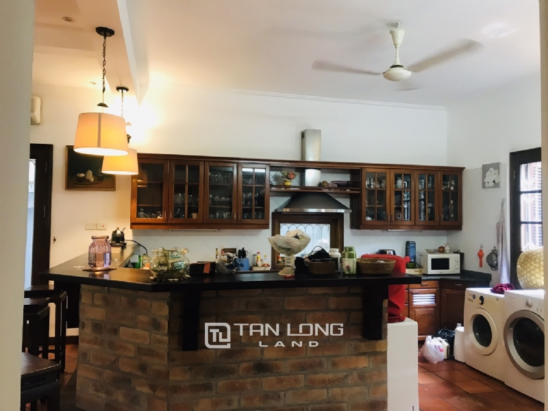Villas for rent in Dang Thai Mai street, Tay ho district 18
