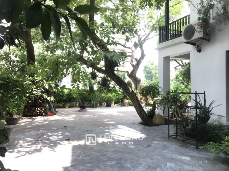 Villas for rent in Dang Thai Mai street, Tay ho district 25