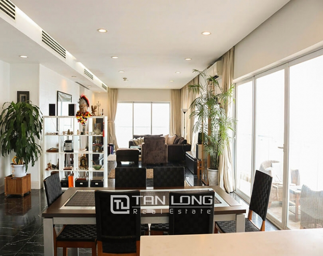 <WARNING> Shocked with the luxury apartment for lease in Golden Westlake, Tay Ho district! 1