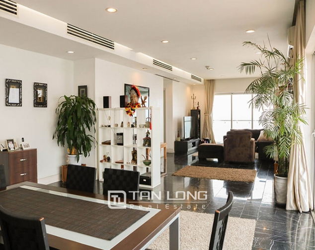 <WARNING> Shocked with the luxury apartment for lease in Golden Westlake, Tay Ho district! 2