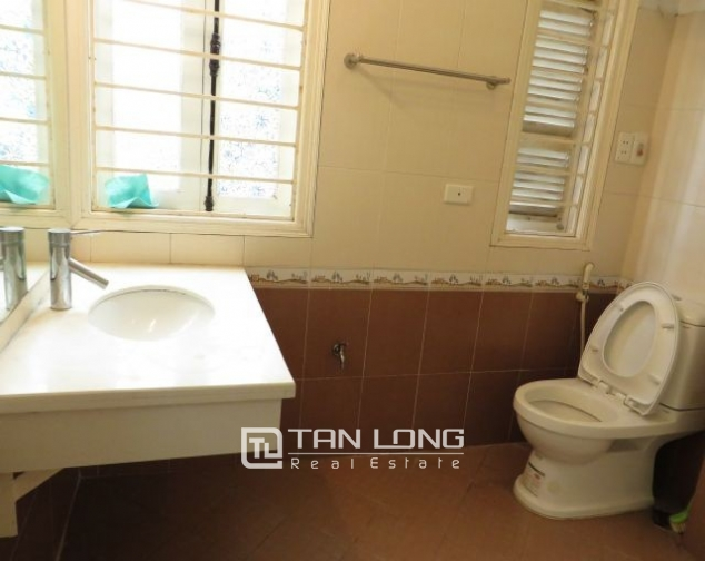 Well appointed apartment in Hoang Quoc Viet street, Cau Giay district, Hanoi for lease 10