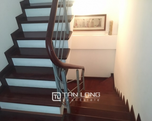 Well appointed house in Au Co street, Tay Ho dist , Hanoi for lease 9