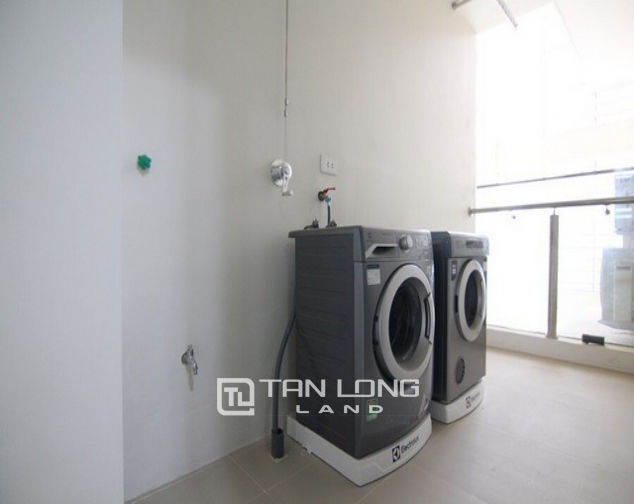 Well equipped and high floor 3 bedroom apartment for rent  in L3 The Link Ciputra urban area 7