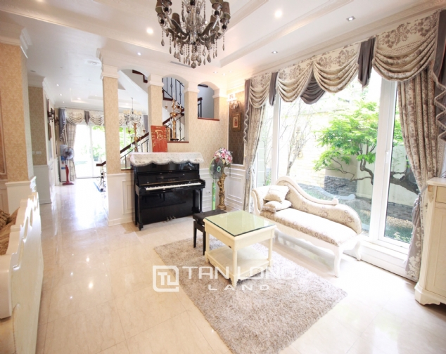Well renovated and spacious 5 bedroom villa for rent in T3 zone Ciputra 2