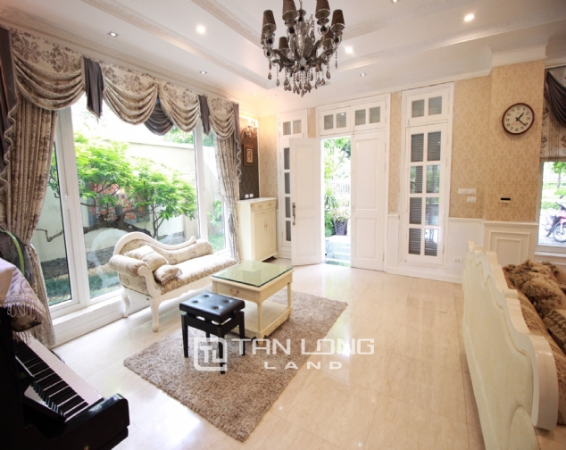 Well renovated and spacious 5 bedroom villa for rent in T3 zone Ciputra 3