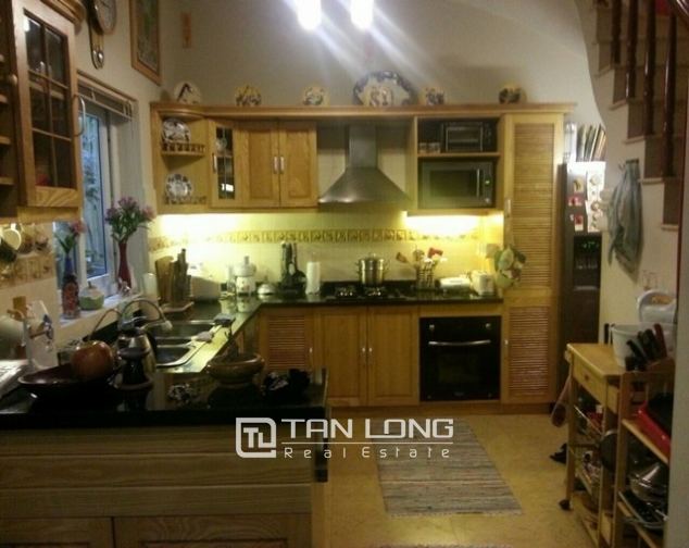 Well-apointed house in Van Ho street, Hai Ba Trung dist for lease 3