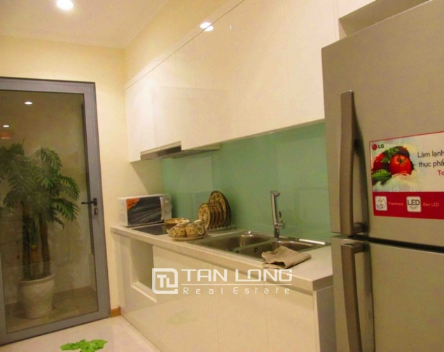 Well-appointed apartment for rent in Vinhomes Nguyen Chi Thanh 3