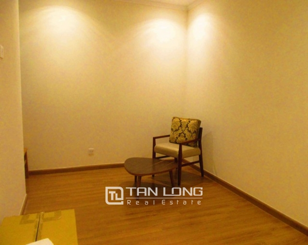 Well-appointed apartment for rent in Vinhomes Nguyen Chi Thanh 5