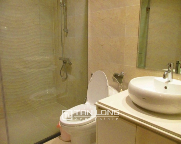 Well-appointed apartment for rent in Vinhomes Nguyen Chi Thanh 6