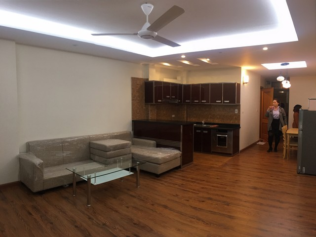 VERY SPACIOUS 1 bedroom apartment for lease in Dang Thai Mai street, Tay Ho district!