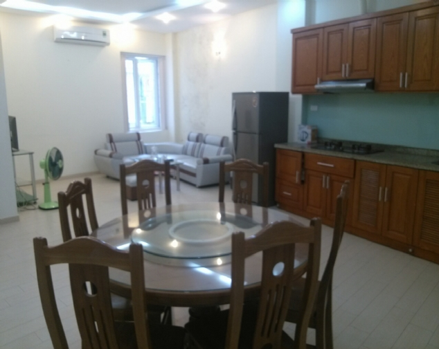 Well-lit serviced apartment for rent on De La Thanh, Dong Da 2