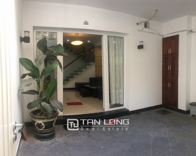 Well-proportioned house for lease in Nghi Tam Village, Tay Ho dist., Hanoi. 3
