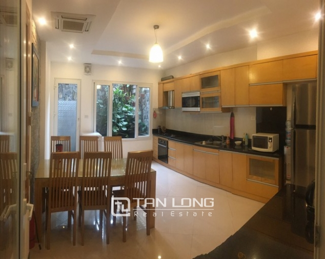 Well-proportioned house for lease in Nghi Tam Village, Tay Ho dist., Hanoi. 5