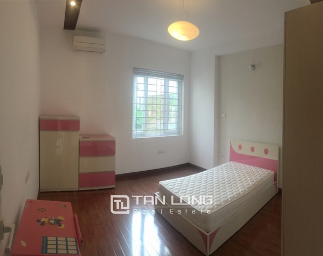 Well-proportioned house for lease in Nghi Tam Village, Tay Ho dist., Hanoi. 8