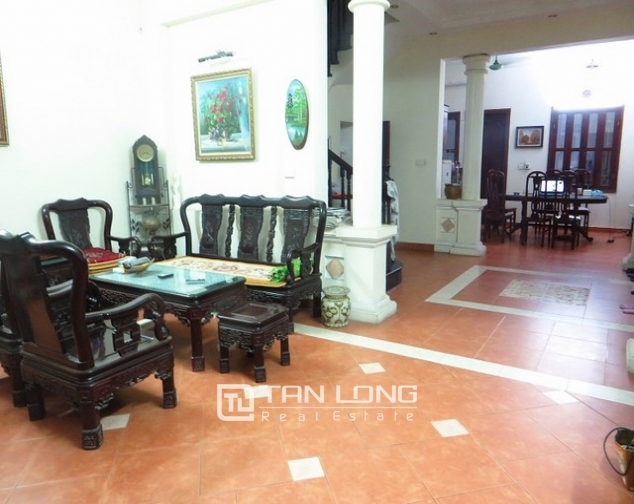 Well-proportioned house for lease on Kim Ma str., Ba Dinh dist., Hanoi 1