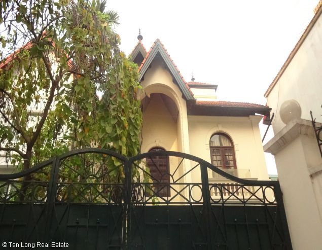 West lake House with 03 bedrooms for rent in To Ngoc Van 1
