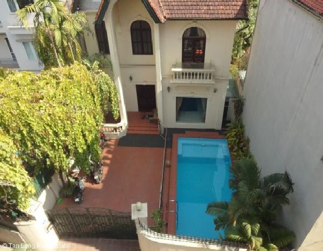 West lake House with 03 bedrooms for rent in To Ngoc Van 3