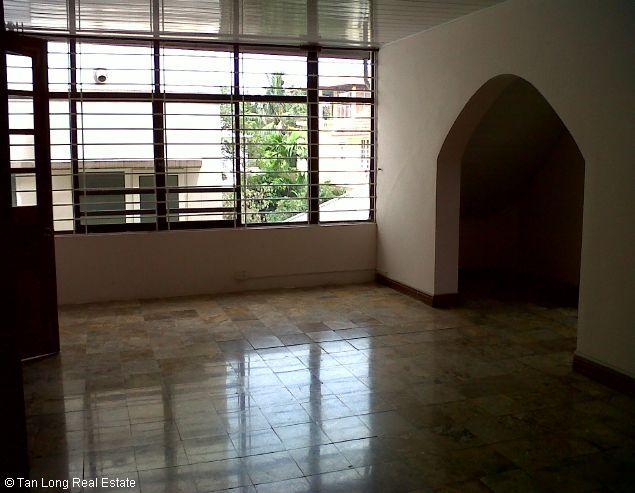 West lake House with 03 bedrooms for rent in To Ngoc Van 4