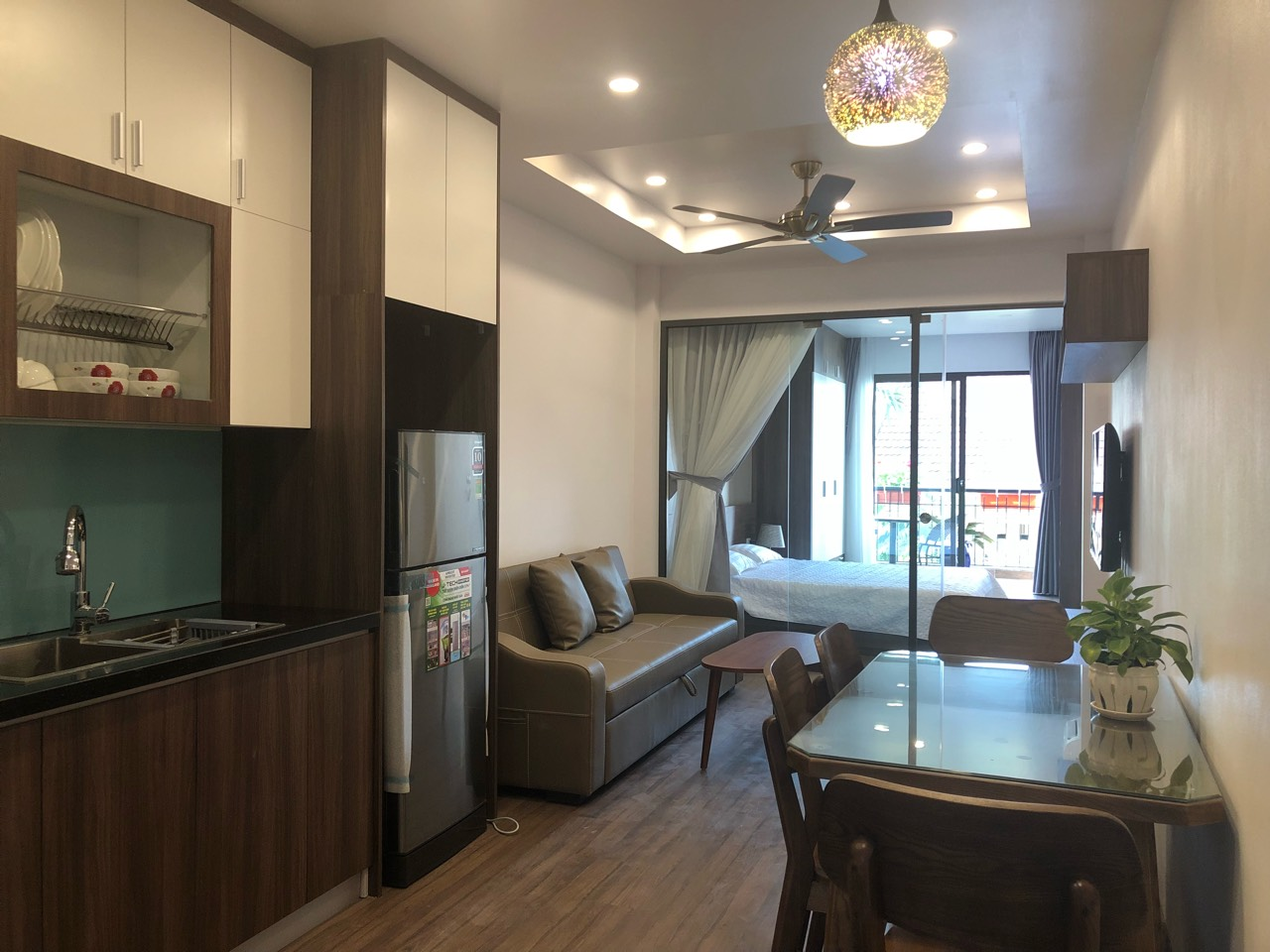 Western apartment for rent in Dang Thai Mai street, Tay Ho district!