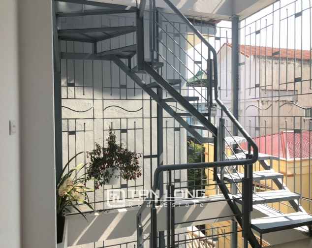 Western apartment for rent in Dang Thai Mai street, Tay Ho district! 9