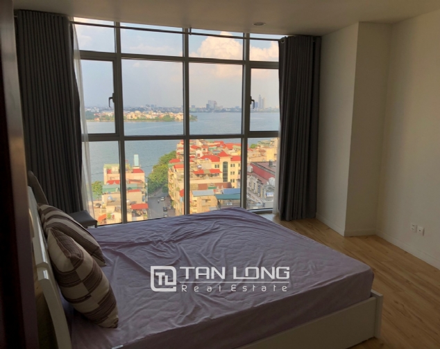 WESTERN apartment with view to whole lake for lease in Watermark, Tay Ho distr 9
