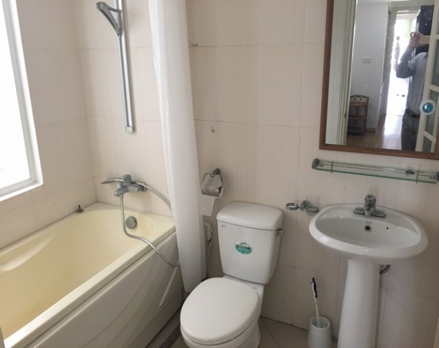 Westlake view 1 bedroom apartment to rent in Tu Hoa, Tay Ho, $650 10