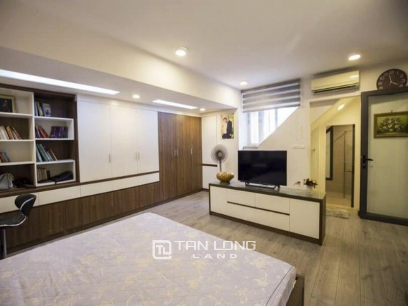 Westlake view penthouse for rent in G3 tower Ciputra Tay Ho Ha Noi 1