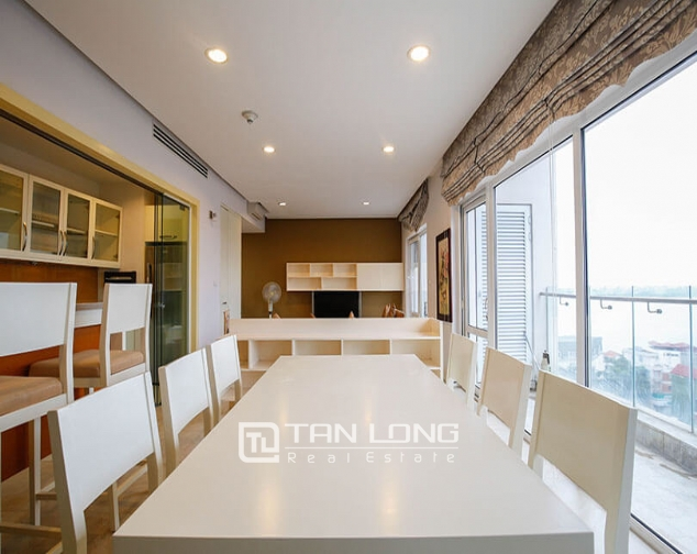 Whole lake view apartment for rent in Golden Westlake, 151 Thuy Khue street, Tay Ho distr 1