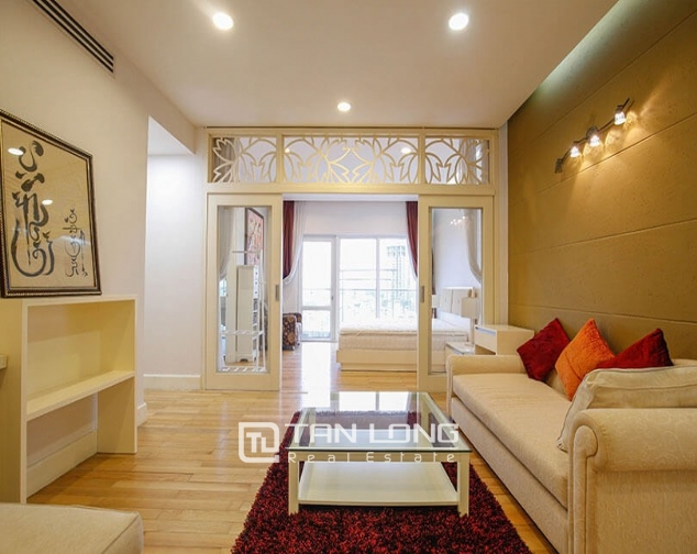 Whole lake view apartment for rent in Golden Westlake, 151 Thuy Khue street, Tay Ho distr 6