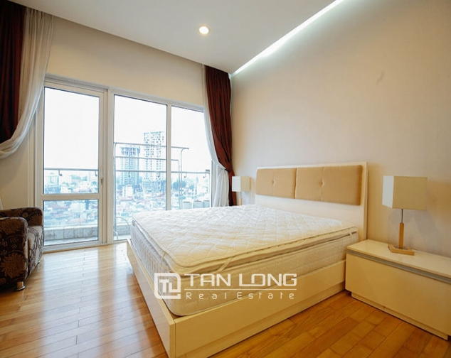 Whole lake view apartment for rent in Golden Westlake, 151 Thuy Khue street, Tay Ho distr 8