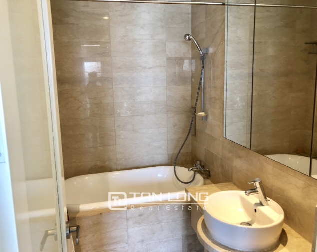 Whole lake view apartment for rent in Golden Westlake, 151 Thuy Khue street, Tay Ho distr 10