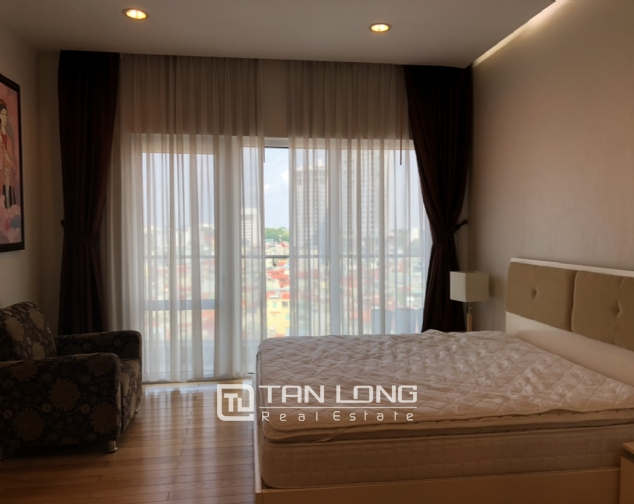 Whole lake view apartment for rent in Golden Westlake, 151 Thuy Khue street, Tay Ho distr 3