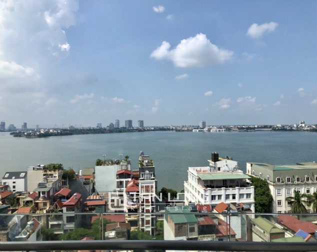Whole lake view apartment for rent in Golden Westlake, 151 Thuy Khue street, Tay Ho distr 7