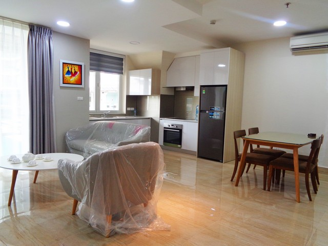 Wonderful apartment is sight to lake in Golden Westlake, Tay Ho district Hanoi for rent.